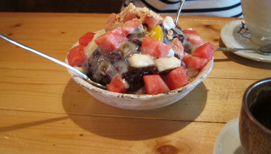 Yummy bingsu in Insadong.